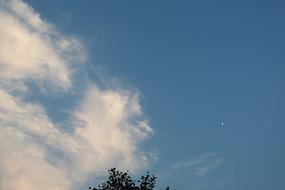 蔚蓝的天空景色