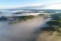 大兴安岭山峦云海绿色林海