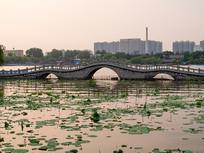 济南大明湖上的小桥
