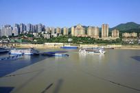 重庆朝天门码头看长江南岸