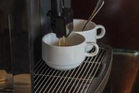 咖啡机出咖啡