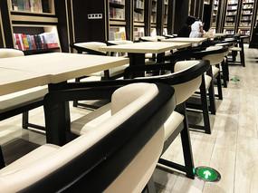 钟书阁阅览室