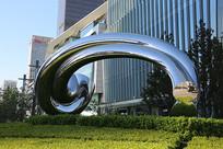 北京国贸商城创意雕塑