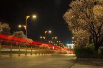 红色炫彩城市夜晚道路