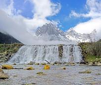 高原海子瀑布及雪山风光