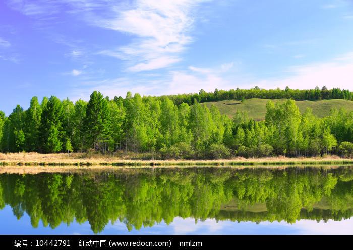 大兴安岭森林山水风光图片