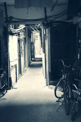 黑白街巷楼道