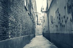 青砖墙街巷黑白