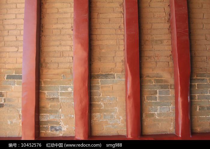红砖墙红立柱背景墙图片
