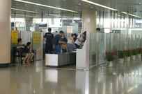 杭州萧山国际机场的安检通道