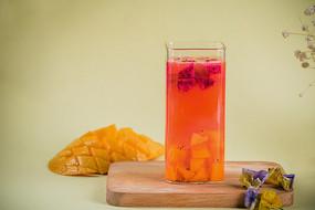 芒果火龙果冷饮