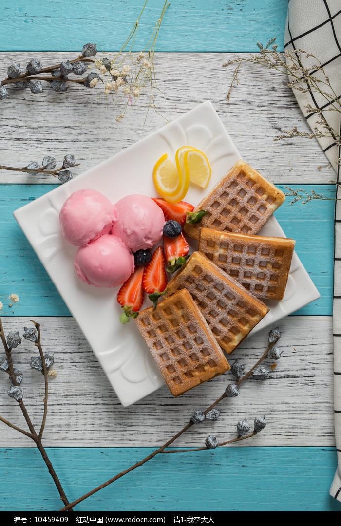 草莓优格饼图片