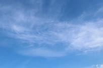 淡淡白云飘