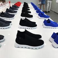 彩色轻便鞋