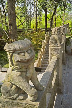 合肥包公墓园石栏杆石狮