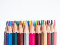 排列整齐的铅笔笔尖
