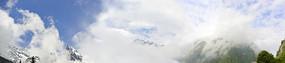 青藏高原雪山山地的自然风光