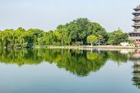 大明湖风景秀丽
