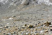 黑水达古冰山山顶的冰蚀地貌