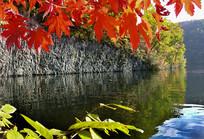 红叶谷湖水