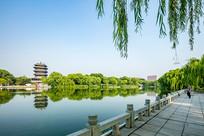 济南大明湖畔好风光