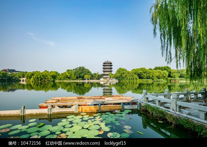 济南明湖风光图片