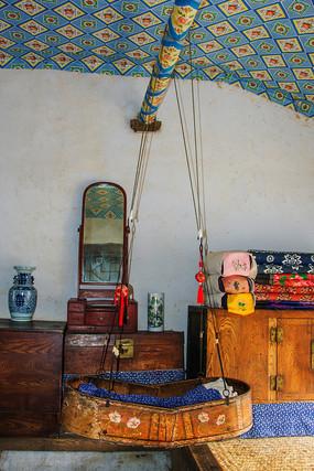 努尔哈赤故居婴儿吊床与家俱