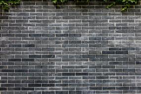青砖建筑外墙