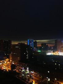 城市高楼和交通