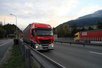 欧洲高速公路上的货车