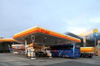 欧洲高速路上的加油站