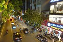 越南河内城市和道路交通夜景
