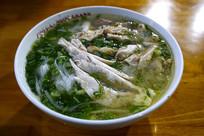 一碗鸡肉越南米粉