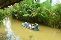 越南湄公河游览的游客
