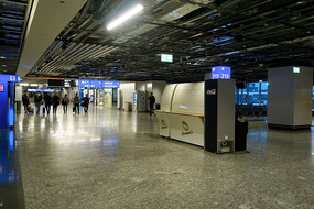 德国法兰克福机场候机厅内景
