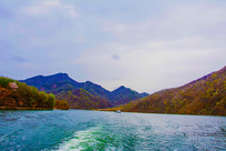 丹东宽甸青山湖与群山游艇