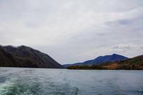 丹东宽甸青山湖与树林洋房群山