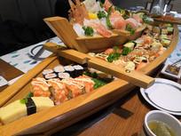 日式寿司船