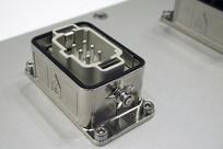 工业机电产品上使用的插座接口