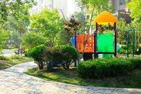 济南居民小区的游乐设施