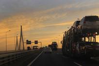 过江大桥清晨