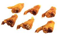 美味的金黄色卤鸡爪