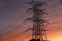 清晨电力塔
