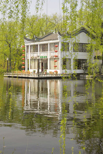 合肥包河湖上著名的浮庄