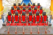 游乐园的施海盗船安全椅