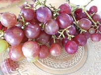 紫红色葡萄