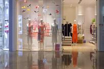 服装店橱窗设计