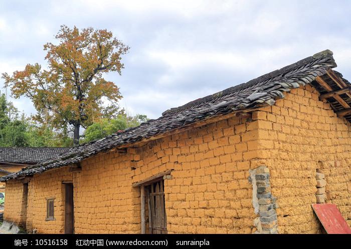 黄姚古镇土砖瓦房图片