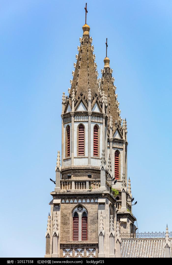 双塔哥特式建筑洪楼教堂图片