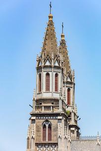 双塔哥特式建筑洪楼教堂